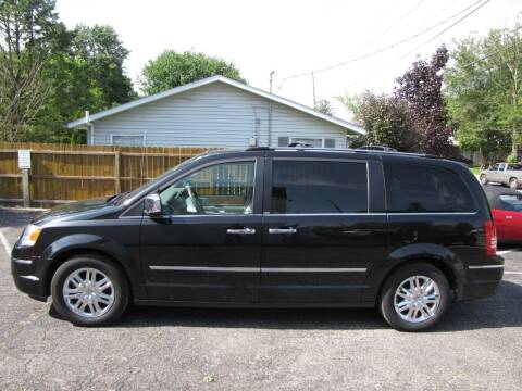 2009 Chrysler Town and Country for sale at Cicero Motors in Cicero IN