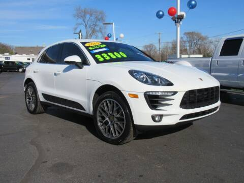 2015 Porsche Macan for sale at Auto Land Inc in Crest Hill IL