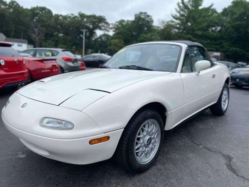1996 Mazda MX-5 Miata for sale at SOUTH SHORE AUTO GALLERY, INC. in Abington MA