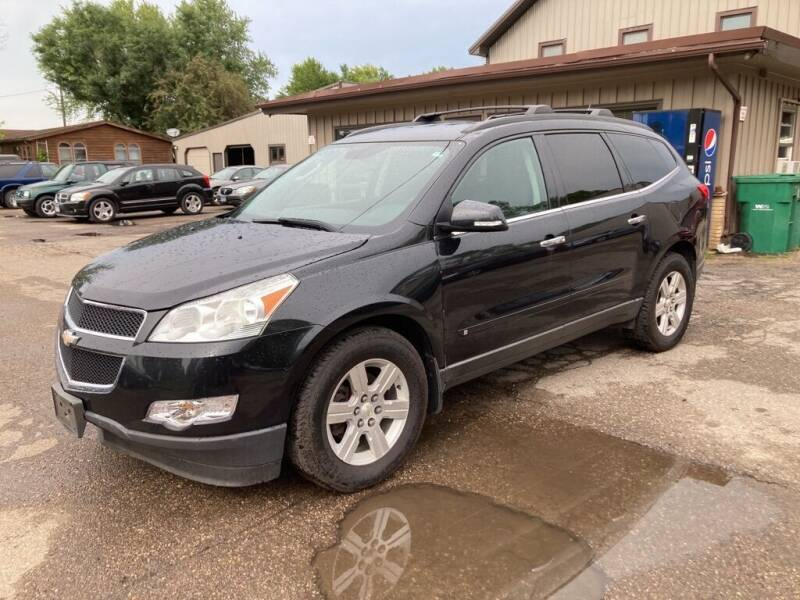 2010 Chevrolet Traverse for sale at COUNTRYSIDE AUTO INC in Austin MN