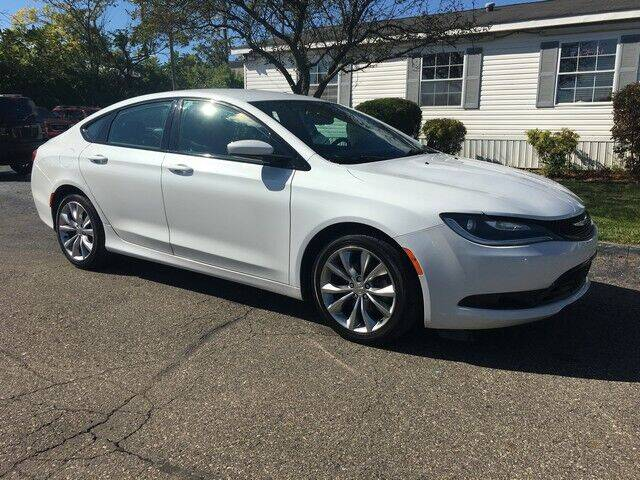2015 Chrysler 200 for sale at Paramount Motors in Taylor MI