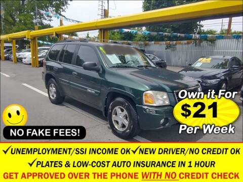 2004 GMC Envoy for sale at AUTOFYND in Elmont NY