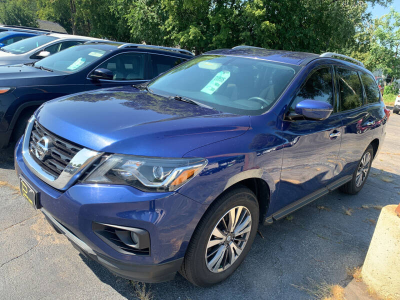 2017 Nissan Pathfinder for sale at PAPERLAND MOTORS in Green Bay WI