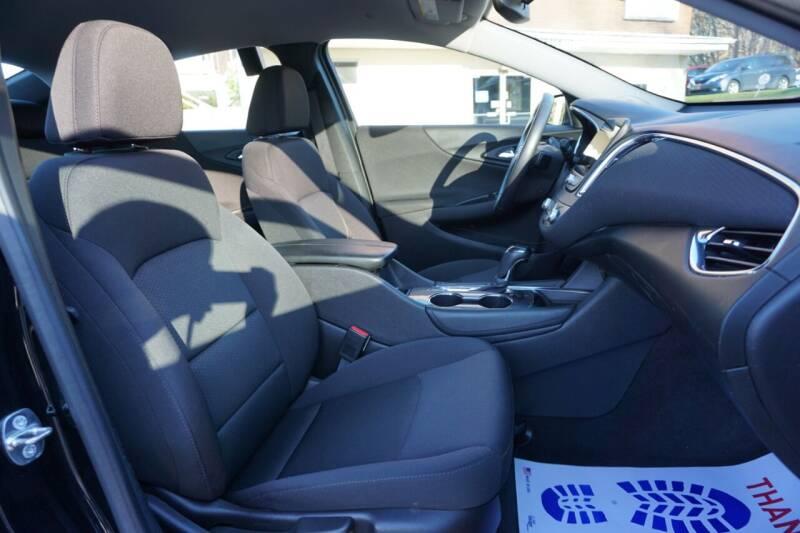2017 Chevrolet Malibu LT 4dr Sedan - Mount Vernon OH