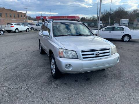 2006 Toyota Highlander for sale at LINDER'S AUTO SALES in Gastonia NC