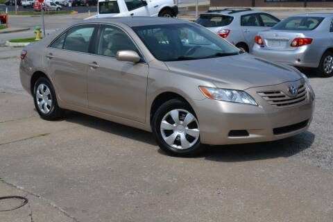 2007 Toyota Camry for sale at GLADSTONE AUTO SALES    GUARANTEED CREDIT APPROVAL in Gladstone MO