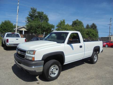 2006 Chevrolet Silverado 2500HD for sale at B & G AUTO SALES in Uniontown PA