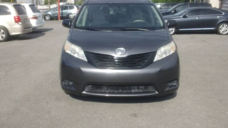2012 Toyota Sienna for sale at Knoxville Used Cars in Knoxville TN