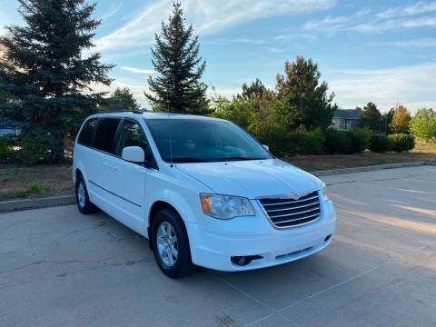 2010 Chrysler Town and Country for sale at QUEST MOTORS in Englewood CO