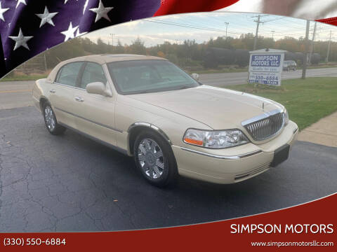2003 Lincoln Town Car for sale at SIMPSON MOTORS in Youngstown OH