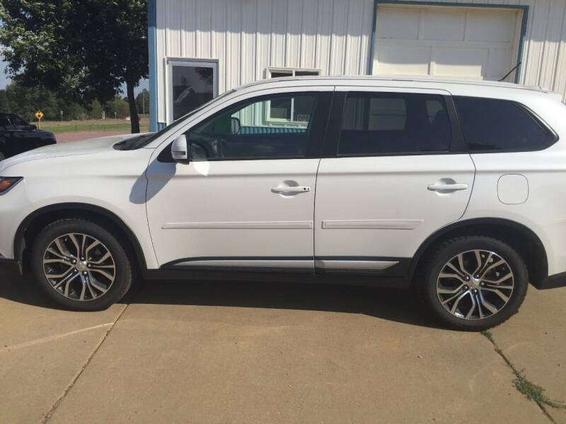 2016 Mitsubishi Outlander for sale at Bauman Auto Center in Sioux Falls SD