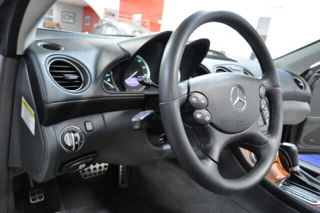 2005 Mercedes-Benz SL-Class SL 500 2dr Convertible - Pompano Beach FL