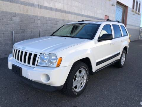 2006 Jeep Grand Cherokee for sale at Autos Under 5000 + JR Transporting in Island Park NY