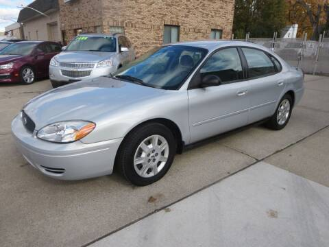 2007 Ford Taurus for sale at Drive Auto Sales in Roseville MI