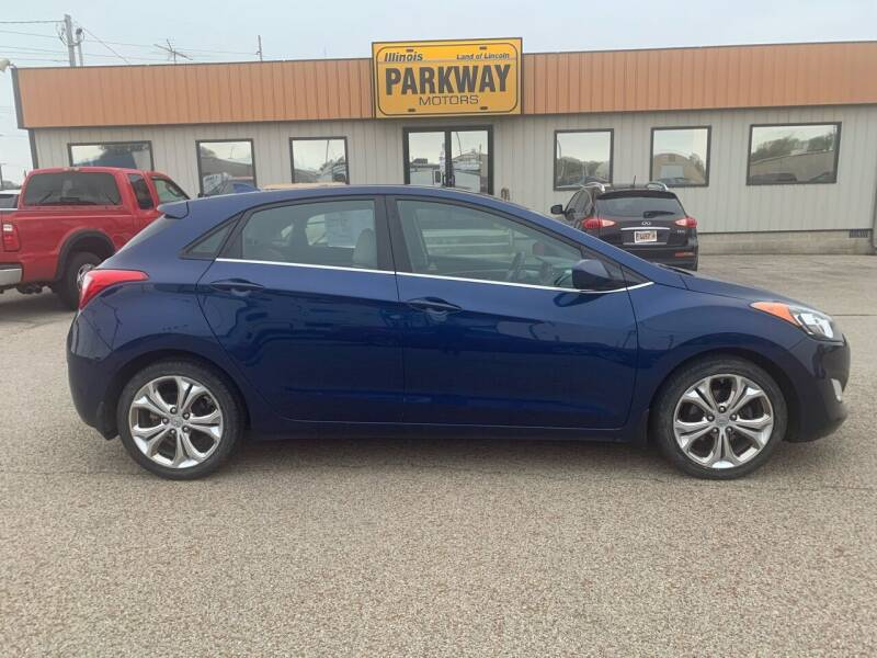 2013 Hyundai Elantra GT for sale at Parkway Motors in Springfield IL