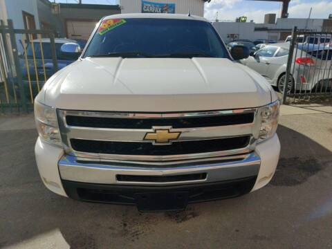 2009 Chevrolet Silverado 1500 for sale at Sanaa Auto Sales LLC in Denver CO
