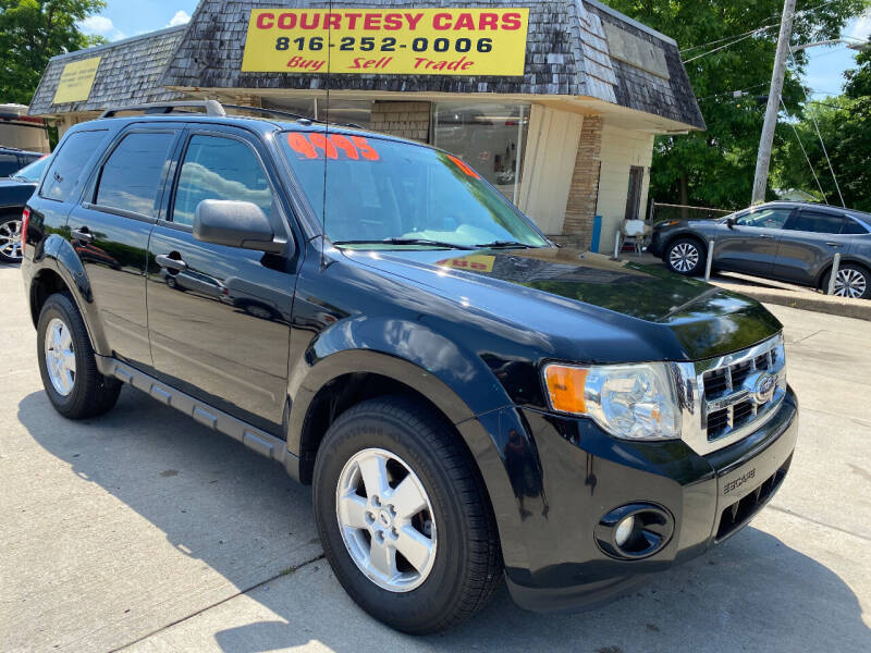 2012 Ford Escape for sale at Courtesy Cars in Independence MO