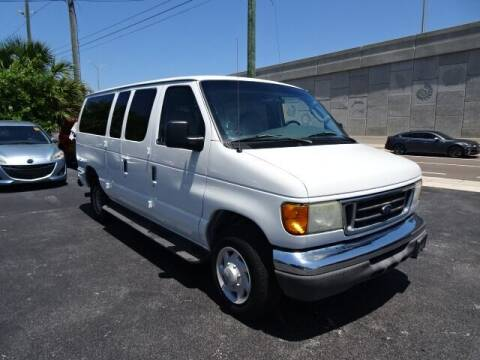 2004 Ford E-Series Wagon for sale at DONNY MILLS AUTO SALES in Largo FL