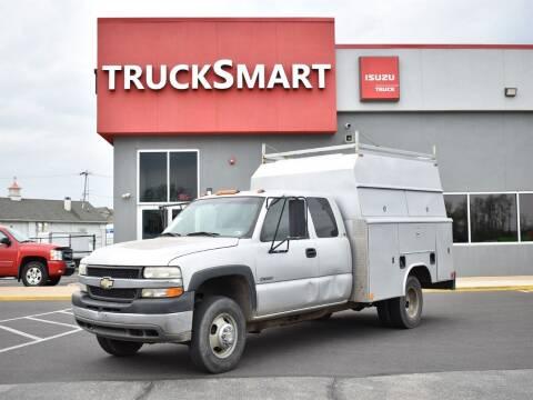 2001 Chevrolet Silverado 3500 for sale at Trucksmart Isuzu in Morrisville PA