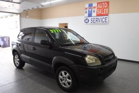 2005 Hyundai Tucson for sale at 777 Auto Sales and Service in Tacoma WA