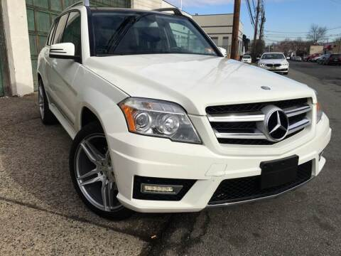 2011 Mercedes-Benz GLK for sale at Illinois Auto Sales in Paterson NJ