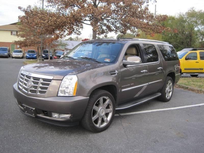 2011 Cadillac Escalade ESV for sale at Auto Bahn Motors in Winchester VA