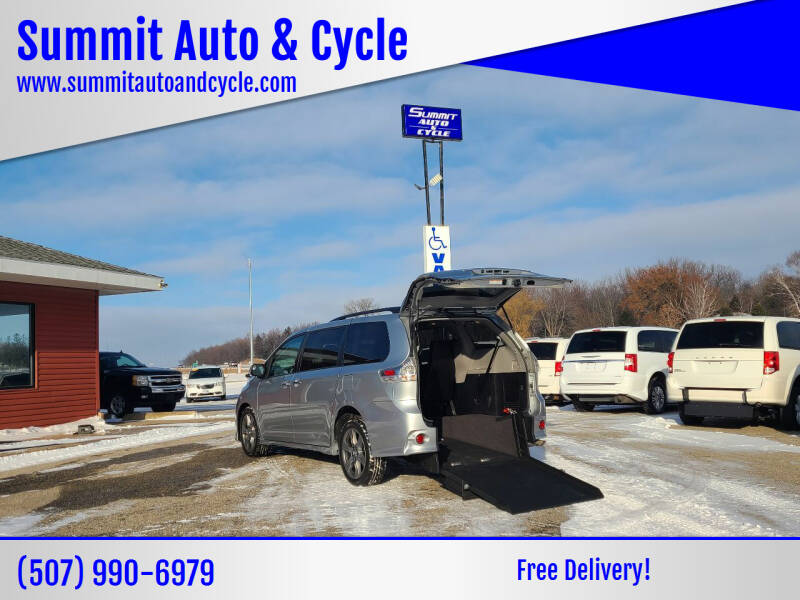 2019 Toyota Sienna for sale at Summit Auto & Cycle in Zumbrota MN