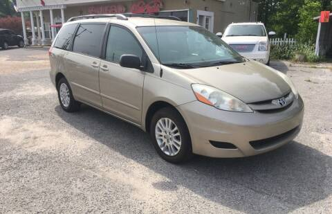 2008 Toyota Sienna for sale at Townsend Auto Mart in Millington TN