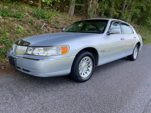 1999 Lincoln Town Car for sale at Lenoir Auto in Lenoir NC