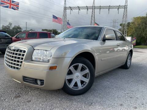 2005 Chrysler 300 for sale at Das Autohaus Quality Used Cars in Clearwater FL