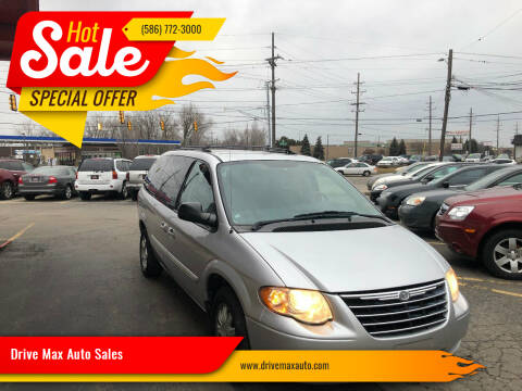 2005 Chrysler Town and Country for sale at Drive Max Auto Sales in Warren MI