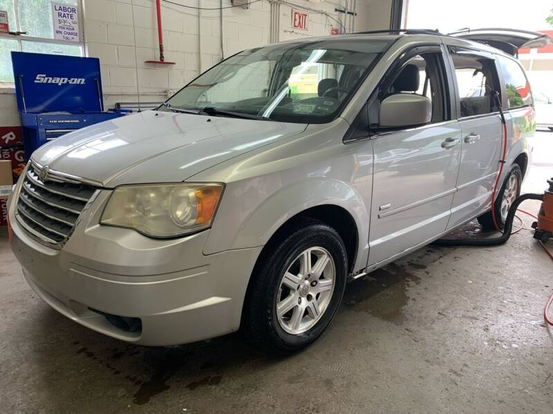 2008 Chrysler Town and Country for sale at Auto Warehouse in Poughkeepsie NY