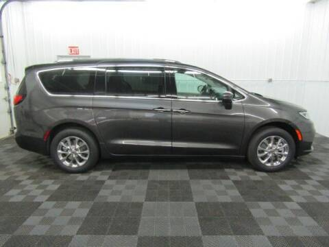 2021 Chrysler Pacifica for sale at Michigan Credit Kings in South Haven MI