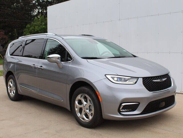 2021 Chrysler Pacifica for sale in Fremont, MI