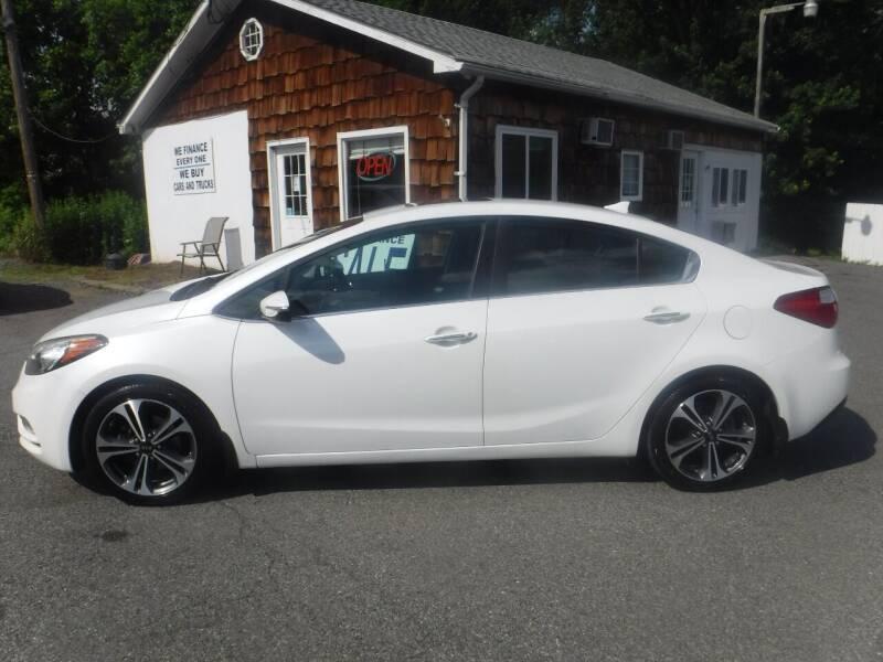 2015 Kia Forte for sale at Trade Zone Auto Sales in Hampton NJ