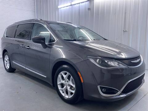 2017 Chrysler Pacifica for sale at JOE BULLARD USED CARS in Mobile AL