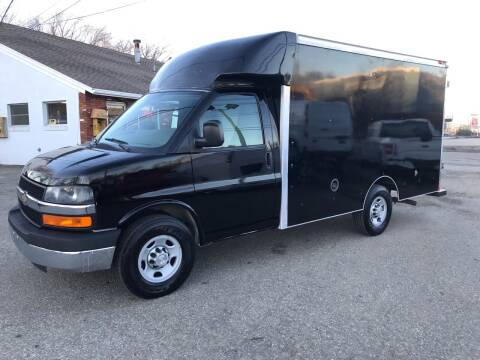 2015 Chevrolet Express Cutaway for sale at J.W.P. Sales in Worcester MA