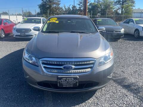 2011 Ford Taurus for sale at Velascos Used Car Sales in Hermiston OR