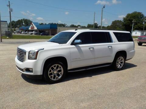 2015 GMC Yukon XL for sale at Young's Motor Company Inc. in Benson NC