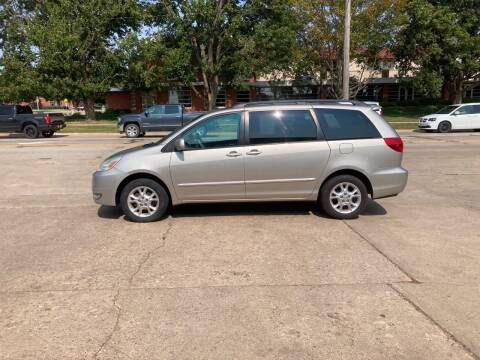2005 Toyota Sienna for sale at Mulder Auto Tire and Lube in Orange City IA
