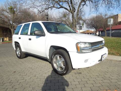 2007 Chevrolet TrailBlazer for sale at Family Truck and Auto.com in Oakdale CA
