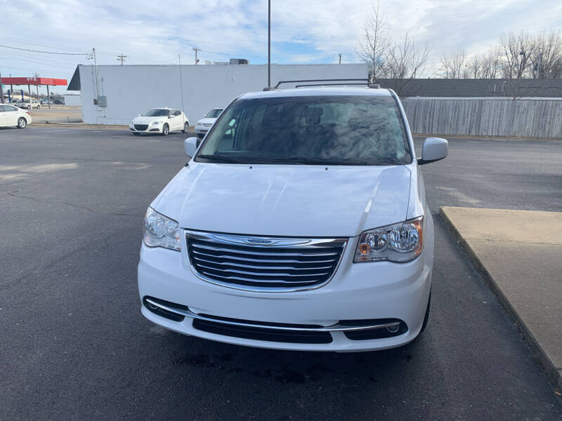 2016 Chrysler Town and Country for sale at Auto Credit Xpress in Jonesboro AR