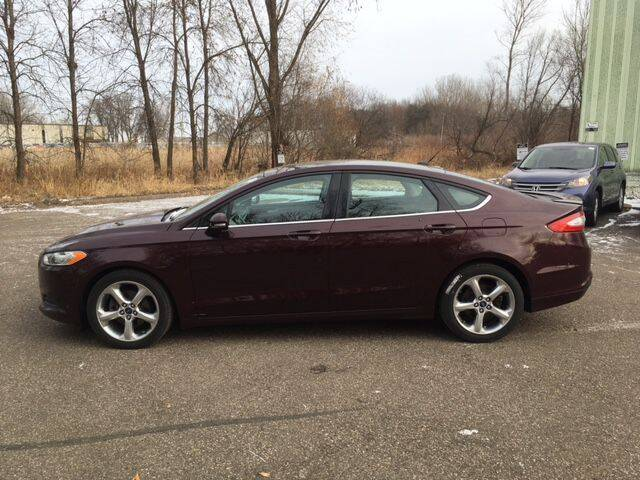 2013 Ford Fusion for sale at AM Auto Sales in Forest Lake MN