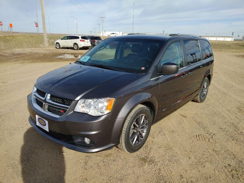 2017 Dodge Grand Caravan for sale at BERG AUTO MALL & TRUCKING INC in Beresford SD