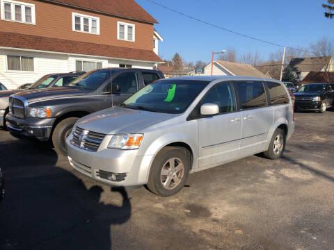2008 Dodge Grand Caravan for sale at Holiday Auto Sales in Grand Rapids MI