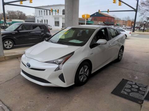 2016 Toyota Prius for sale at ROBINSON AUTO BROKERS in Dallas NC