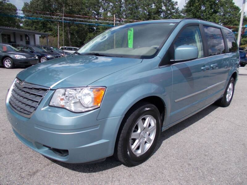 2010 Chrysler Town and Country for sale at Culpepper Auto Sales in Cullman AL