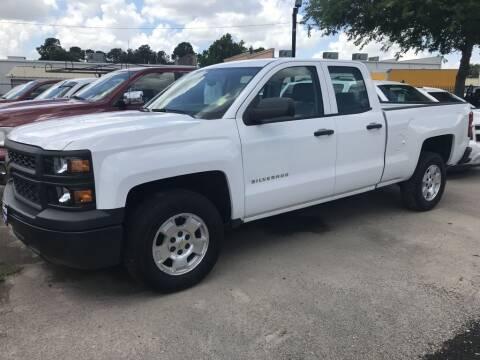 2015 Chevrolet Silverado 1500 for sale at AMIGO USED CARS in Houston TX