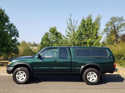 2002 Toyota Tacoma for sale at CLEAR CHOICE AUTOMOTIVE in Milwaukie OR
