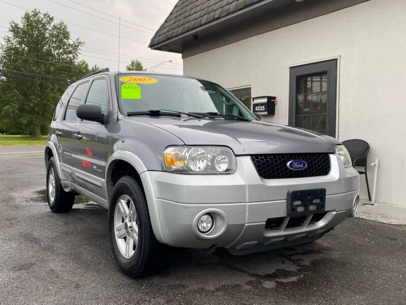 2007 Ford Escape Hybrid for sale at Vantage Auto Group in Tinton Falls NJ